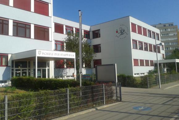 Schulgebäude GTEMS Anton Sattlergasse